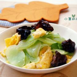 黑木耳鸡蛋炒莴笋的做法[图]