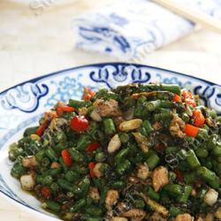 榄菜肉丁炒豇豆的做法[图]