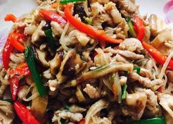 香菇绿豆芽炒肉丝