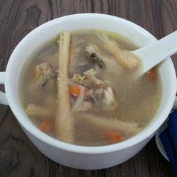 沙参枸杞鸡汤