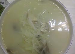 鲫鱼炖萝卜丝