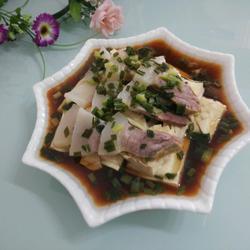 咸肉蒸白豆腐干
