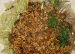 肉酱香菇面