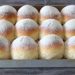 轻盈奶味香浓 卡仕达面包的做法[图]
