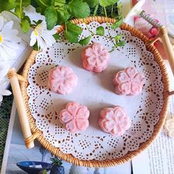 草莓冰皮月饼的做法[图]