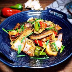 干锅腊鱼的做法[图]